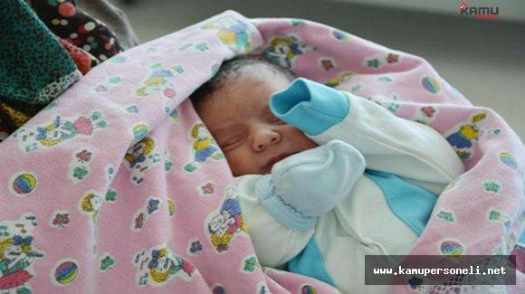 Yeni Doğan Bebeklerine Şehit Ömer Halisdemir'in İsmini Verdiler
