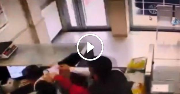PTT Çalışanını Tekme Tokat Dövdüler