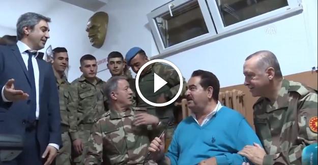 Mehmetçik selfie çekerken Hulusi Akar Paşa'ya yakalanırsa!