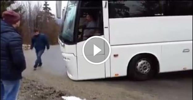 Otobüs Şoförü Fren Yerine Gaza Basınca Olanlar Oldu