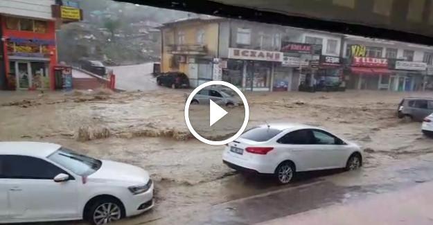 Ankara Mamak Boğaziçi'nde Sel Felaketi Yaşandı