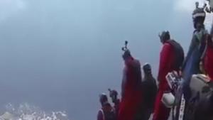 Bu Adamlar Adeta Uçuyorlar!