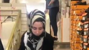 Bu kadarı da pes dedirtti! İstediği ayakkabıyı almayan annesini merdivenlerden itti!