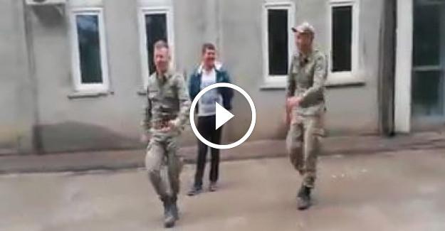Askerlerimizden #039;Ankara Havası Böyle Oynanır#039; Dersi...