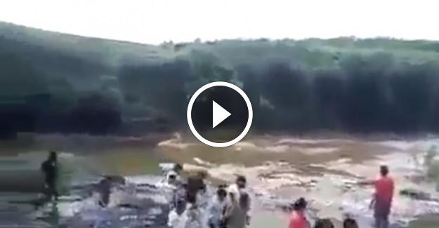 Selin Ortasında Kalan Aile Sulara Kapıldı