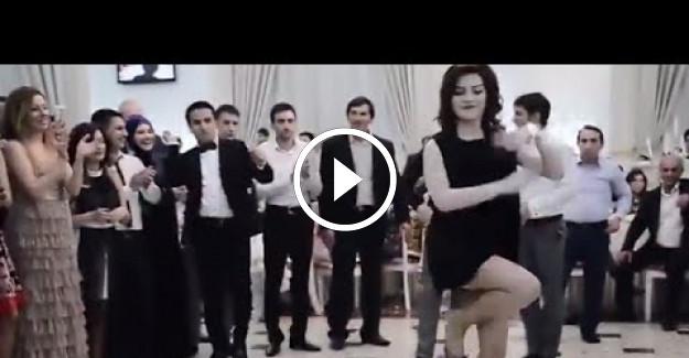 Azeri Düğününde Muhteşem Dans Şovu