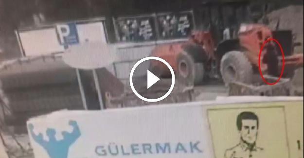 İzmir'de Prof. Dr. Gürbüz Büyükyazı'nı Kamyonun Altında Kalarak Öldüğü An Kamerada