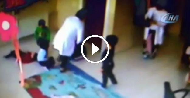 Samsun#039;da Kreşte Çocuklara Dayak Atan Öğretmenlerin Görüntüsü Güvenlik Kamerasına Yansıdı